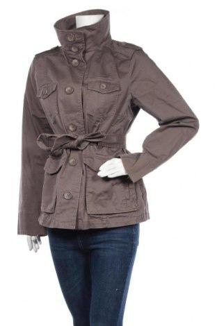 Дамски шлифер H&M, Размер L, Цвят Бежов, 98% памук, 2% еластан, Цена 15,97лв.