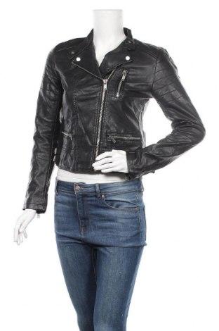 Дамско кожено яке Zara, Размер M, Цвят Черен, Еко кожа, Цена 51,45лв.