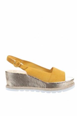 Сандали Hogl, Размер 45, Цвят Жълт, Естествен велур, Цена 102,77лв.
