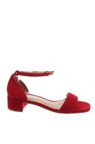 Сандали Pavement, Размер 37, Цвят Червен, Естествен велур, Цена 66,72лв.