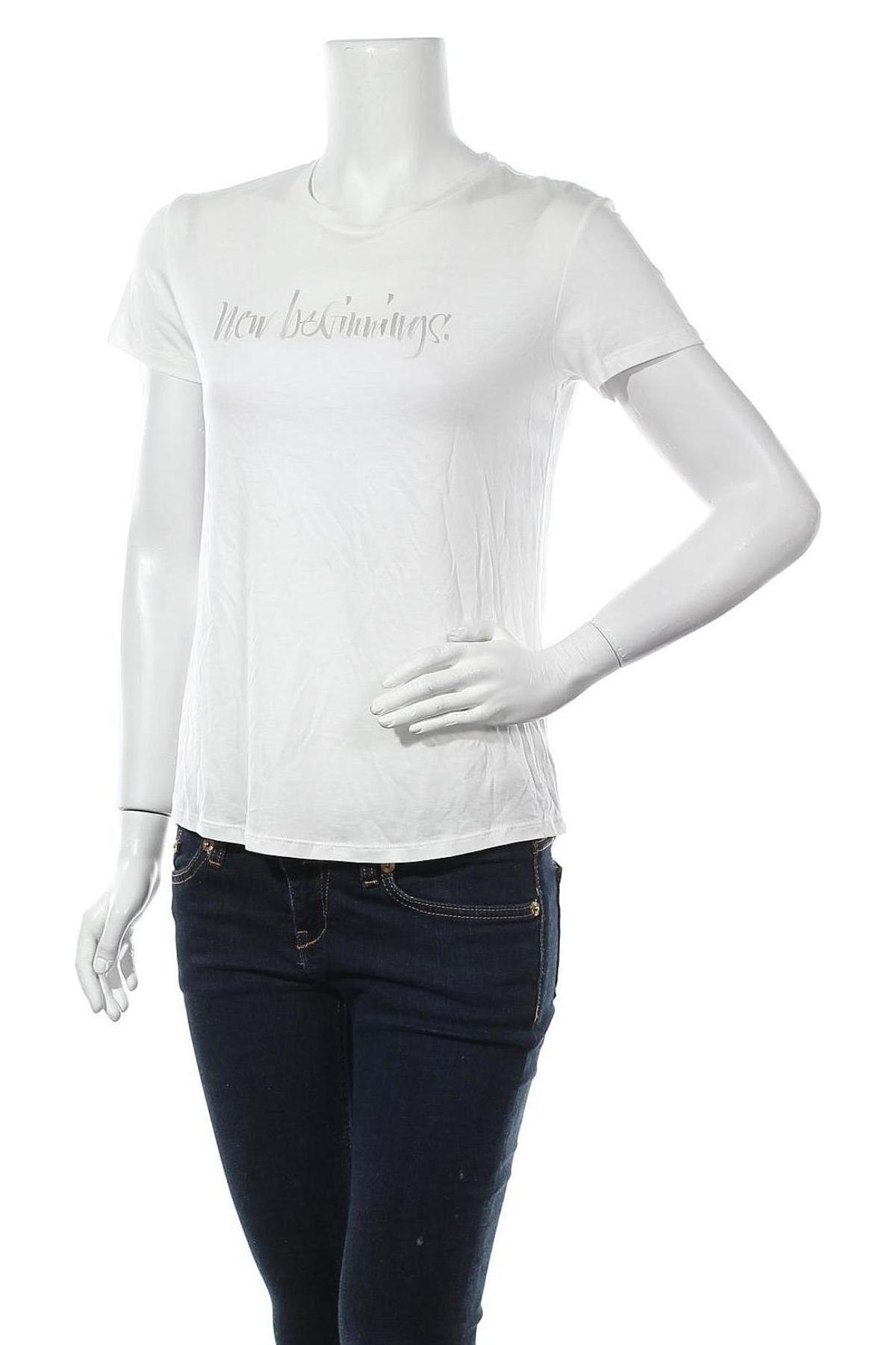 Дамска тениска Massimo Dutti, Размер M, Цвят Бял, 67% лиосел, 33% памук, Цена 20,70лв.
