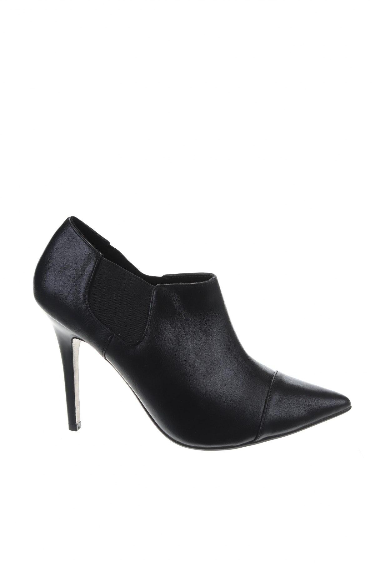 Γυναικεία παπούτσια Pull&Bear, Μέγεθος 39, Χρώμα Μαύρο, Δερματίνη, Τιμή 17,58€