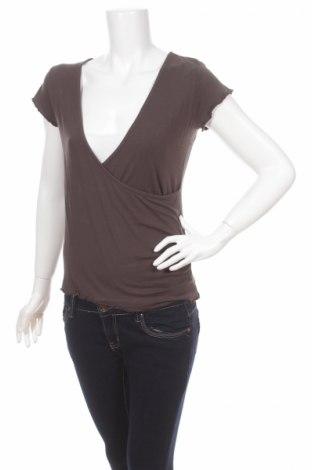 Дамска блуза Amaranto, Размер M, Цвят Кафяв, 97% вискоза, 3% еластан, Цена 3,00лв.