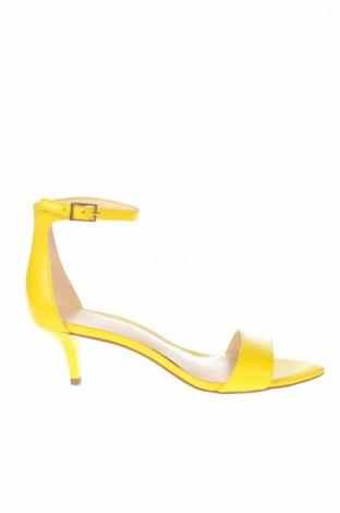 Сандали Nine West, Размер 37, Цвят Жълт, Естествена кожа, Цена 85,92лв.