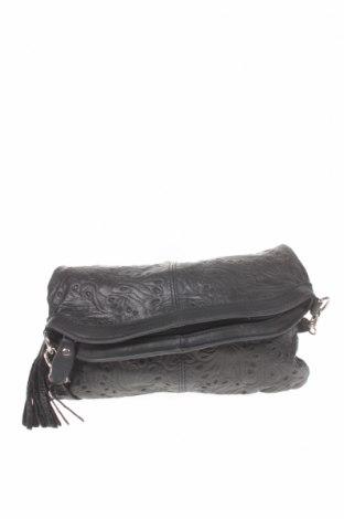 Дамска чанта, Цвят Черен, Естествена кожа, Цена 52,87лв.