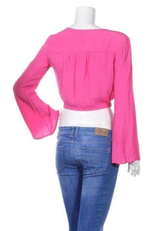 Дамска риза Bershka, Размер M, Цвят Розов, Вискоза, Цена 18,00лв.
