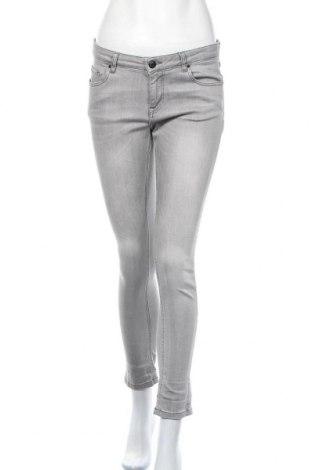 Дамски дънки, Размер M, Цвят Сив, 98% памук, 2% еластан, Цена 25,94лв.