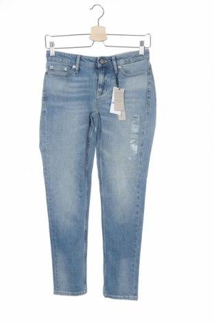 Дамски дънки Calvin Klein Jeans, Размер S, Цвят Син, 98% памук, 2% еластан, Цена 139,65лв.