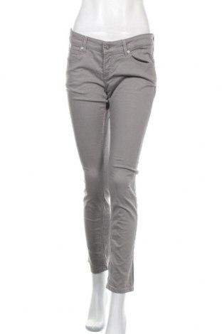 Дамски дънки Escada Sport, Размер M, Цвят Сив, Цена 90,30лв.