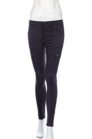Дамски дънки H&M L.O.G.G., Размер S, Цвят Син, 97% памук, 3% еластан, Цена 25,20лв.