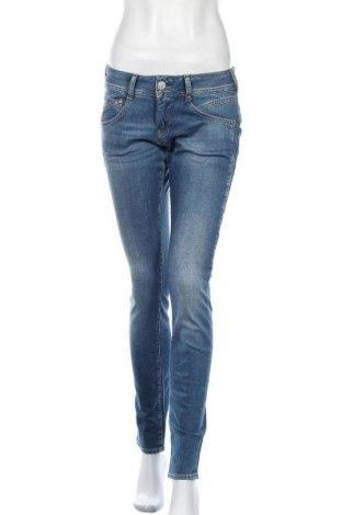 Дамски дънки Herrlicher, Размер M, Цвят Син, 98% памук, 2% еластан, Цена 103,95лв.