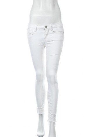 Дамски дънки Mudd, Размер S, Цвят Бял, 51% памук, 37% полиестер, 2% еластан, Цена 29,40лв.