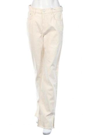 Дамски дънки Pull&Bear, Размер M, Цвят Бежов, Памук, Цена 37,91лв.