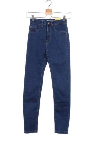 Дамски дънки Pull&Bear, Размер XXS, Цвят Син, 78% памук, 21% полиестер, 1% еластан, Цена 25,97лв.