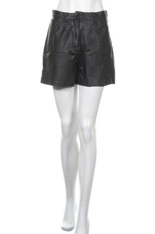 Дамски къс кожен панталон, Размер S, Цвят Черен, Естествена кожа, Цена 45,36лв.