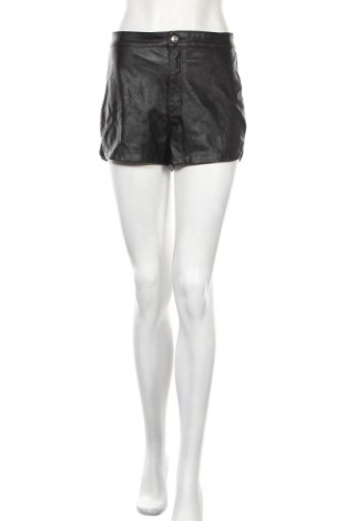 Дамски къс кожен панталон H&M Divided, Размер M, Цвят Черен, Еко кожа, Цена 17,68лв.