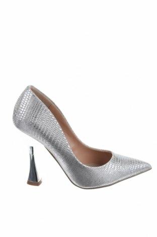Дамски обувки Steve Madden, Размер 36, Цвят Сребрист, Текстил, Цена 60,42лв.