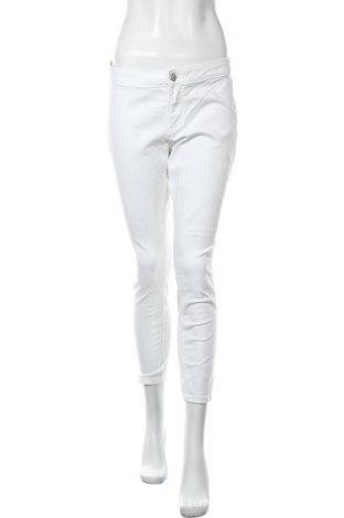 Дамски дънки, Размер M, Цвят Бял, Цена 23,94лв.