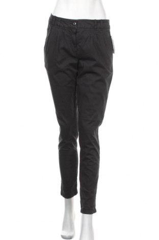 Дамски панталон Crazy World, Размер M, Цвят Черен, 98% памук, 2% еластан, Цена 38,59лв.