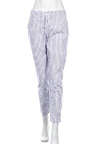 Дамски панталон H&M L.O.G.G., Размер M, Цвят Син, 98% памук, 2% еластан, Цена 19,85лв.