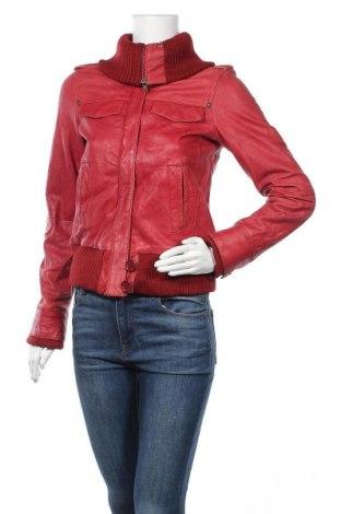 Γυναικείο δερμάτινο μπουφάν Bershka, Μέγεθος M, Χρώμα Κόκκινο, Γνήσιο δέρμα, Τιμή 28,70€