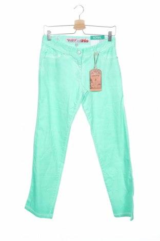 Παιδικό παντελόνι Million X, Μέγεθος 15-18y/ 170-176 εκ., Χρώμα Πράσινο, 98% βαμβάκι, 2% ελαστάνη, Τιμή 1,71€