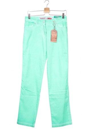 Παιδικό παντελόνι Million X, Μέγεθος 15-18y/ 170-176 εκ., Χρώμα Πράσινο, 98% βαμβάκι, 2% ελαστάνη, Τιμή 1,59€