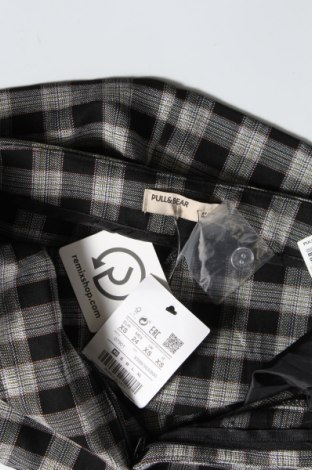 Пола Pull&Bear, Размер XXS, Цвят Черен, 63% полиестер, 35% вискоза, 2% еластан, Цена 33,00лв.