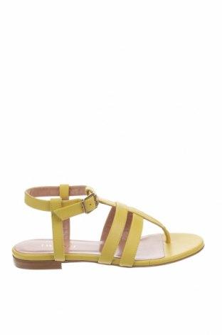 Сандали TWINSET, Размер 36, Цвят Жълт, Естествена кожа, Цена 171,75лв.