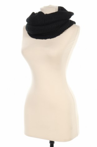 Шал H&M, Цвят Черен, 100% акрил, Цена 14,28лв.