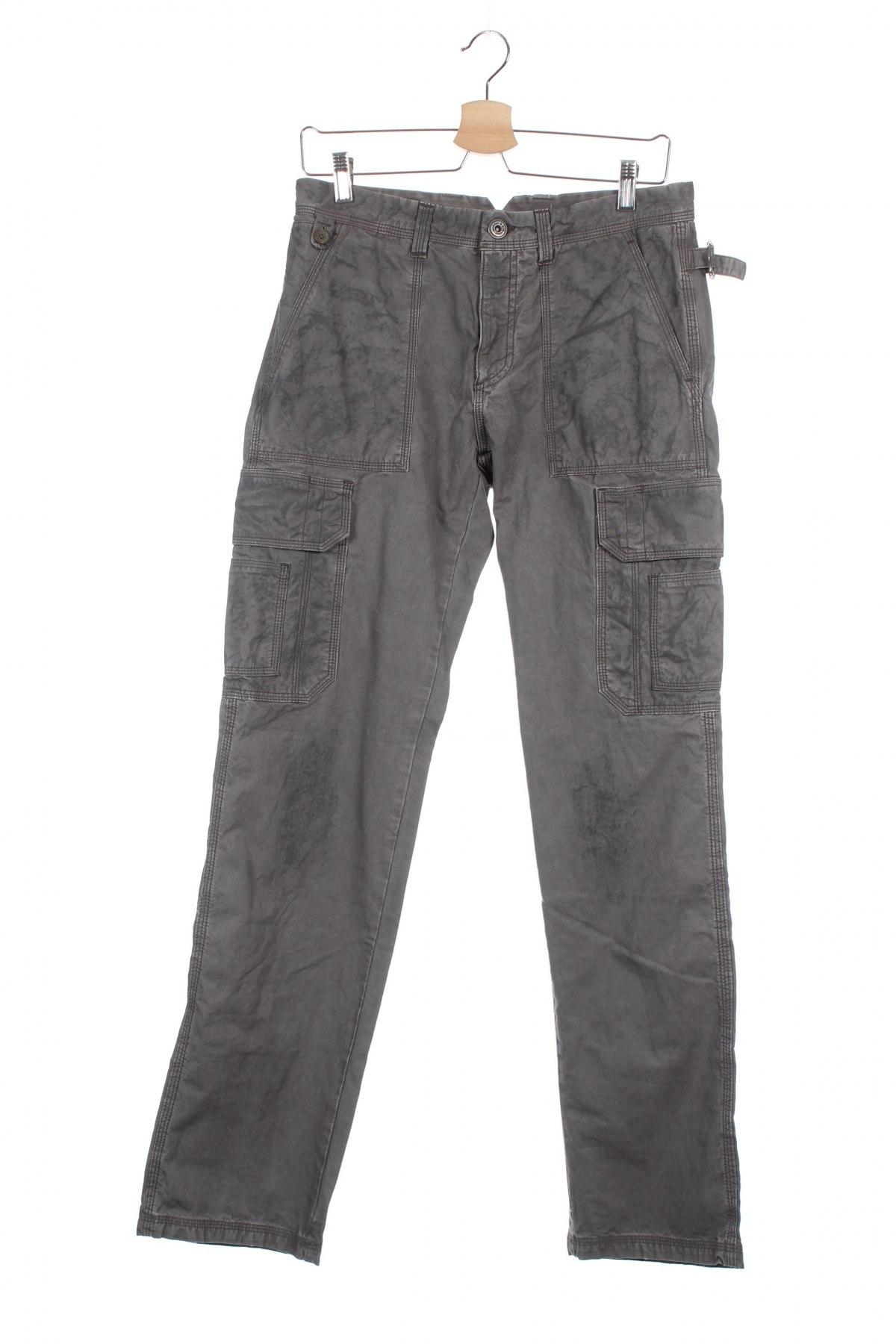 f83ccb6ae0 Férfi ruha - blúzok, kardigánok, rövidnadrágok, nadrágok, ingek, zakók,  pulóverek - Használtruha - Remix