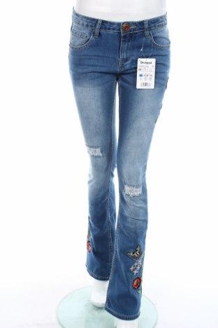 Γυναικείο Τζίν Desigual, Μέγεθος S, Χρώμα Μπλέ, 70% βαμβάκι, 27% πολυεστέρας, 3% ελαστάνη, Τιμή 16,39€