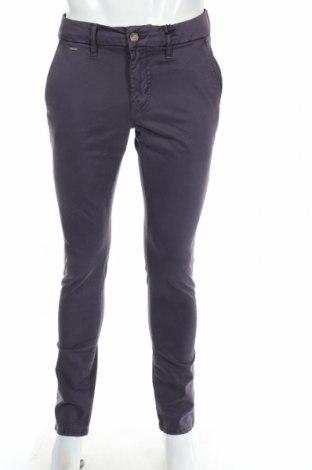 Ανδρικό παντελόνι Guess, Μέγεθος M, Χρώμα Βιολετί, 98% βαμβάκι, 2% ελαστάνη, Τιμή 20,49€