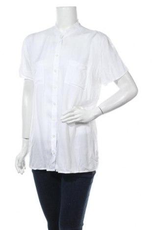 Дамска риза B.C. Best Connections, Размер L, Цвят Бял, 80% вискоза, 20% памук, Цена 19,95лв.