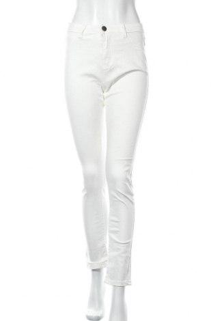 Дамски дънки, Размер M, Цвят Бял, Цена 11,29лв.
