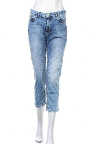 Дамски дънки, Размер M, Цвят Син, 98% памук, 2% еластан, Цена 13,86лв.