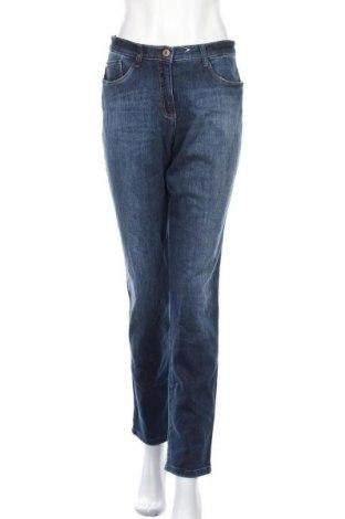 Дамски дънки Brax, Размер S, Цвят Син, 98% памук, 2% еластан, Цена 16,91лв.