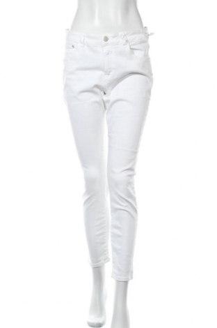 Дамски дънки Closed, Размер XL, Цвят Бял, 92% памук, 8% еластан, Цена 119,25лв.