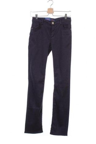 Дамски дънки Trussardi Jeans, Размер S, Цвят Син, 40% лиосел, 28% модал, 17% памук, 12% еластан, Цена 46,62лв.