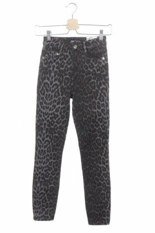 Дамски дънки Zara, Размер XS, Цвят Многоцветен, 97% памук, 3% еластан, Цена 37,95лв.
