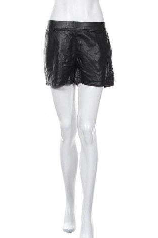 Дамски къс кожен панталон ONLY, Размер M, Цвят Черен, Еко кожа, Цена 22,05лв.