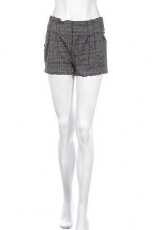 Дамски къс панталон Edc By Esprit, Размер M, Цвят Сив, 98% памук, 2% еластан, Цена 3,94лв.