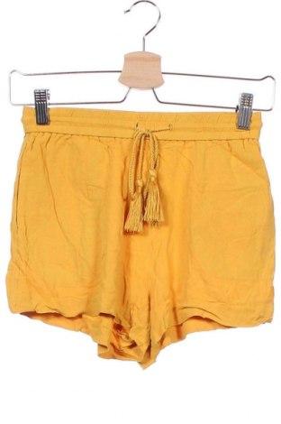 Γυναικείο κοντό παντελόνι H&M, Μέγεθος XS, Χρώμα Κίτρινο, Βισκόζη, Τιμή 8,83€