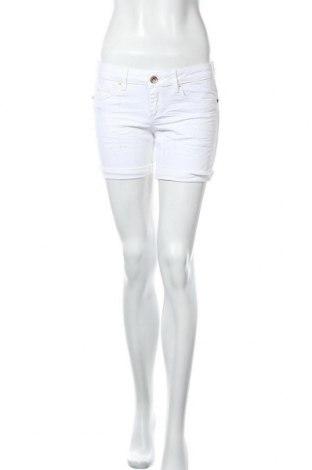 Γυναικείο κοντό παντελόνι O'neill, Μέγεθος M, Χρώμα Λευκό, 98% βαμβάκι, 2% ελαστάνη, Τιμή 7,50€