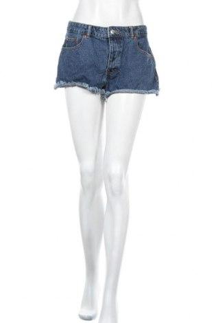 Γυναικείο κοντό παντελόνι Pull&Bear, Μέγεθος L, Χρώμα Μπλέ, Τιμή 6,50€