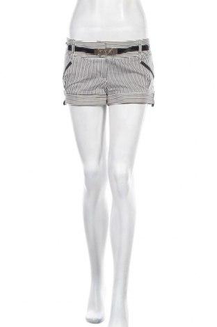 Γυναικείο κοντό παντελόνι River Island, Μέγεθος S, Χρώμα Λευκό, 97% βαμβάκι, 3% ελαστάνη, Τιμή 9,38€