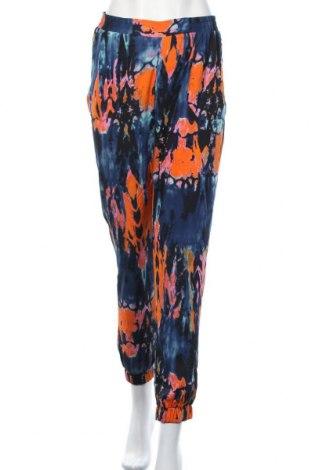 Γυναικείο παντελόνι Ax Paris, Μέγεθος S, Χρώμα Πολύχρωμο, Πολυεστέρας, Τιμή 8,87€