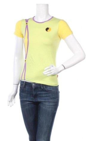 Дамска тениска, Размер S, Цвят Многоцветен, 95% вискоза, 5% еластан, Цена 7,09лв.
