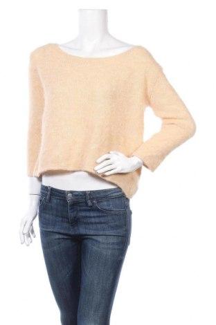 Дамски пуловер American Vintage, Размер S, Цвят Екрю, 38% полиамид, 26% полиакрил, 25% вълна от алпака, 10% мерино, 1% еластан, Цена 56,62лв.