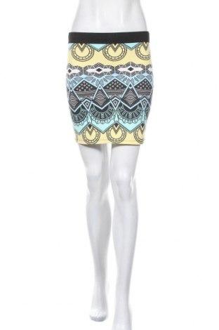 Пола Zara Trafaluc, Размер M, Цвят Многоцветен, 48% полиамид, 42% памук, 10% еластан, Цена 11,84лв.